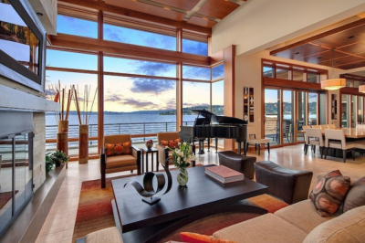 Living room of a house overseeing the ocean